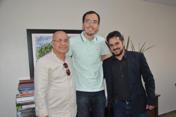 Conselho Regional de Farmácia de Sergipe se reúne com o deputado Georgeo Passos